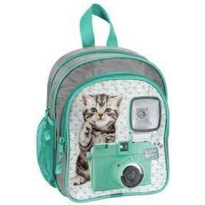 Cicás kirándulós hátizsák cica fényképezőgéppel