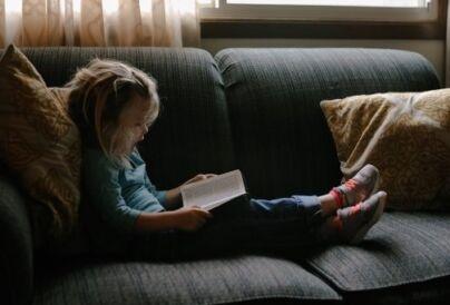 Olvasó gyermek